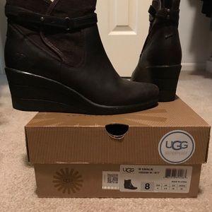 Ugg Emalie Dark Brown Size 8 women's boot